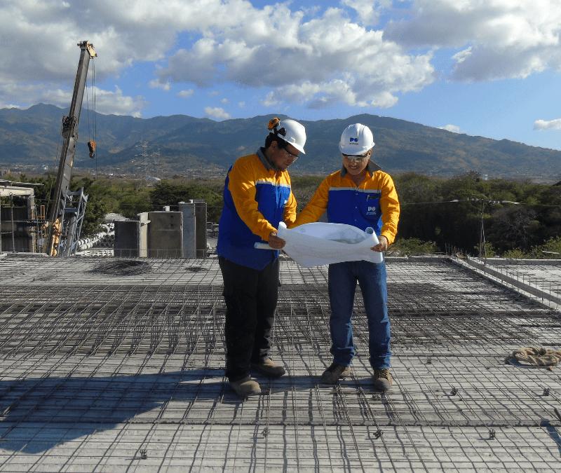 Licenciad@ en ingeniería Civil o de la Construcción